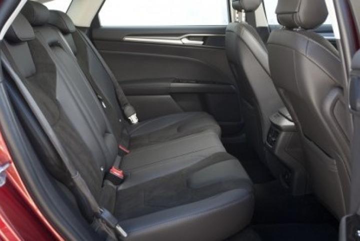 stoelen achterin Ford Mondeo