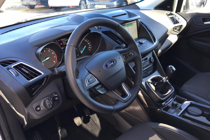 interieur ford kuga demodeal fordspecialist